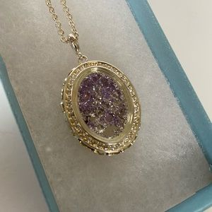 Touchstone crystal pendant necklace w/ crystals.